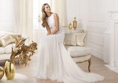 Pronovias te presenta el vestido de novia Lacasta. Fashion 2014. | Pronovias