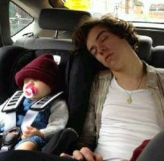 Why i fell in love with harry styles people i love Harry Styles Baby, Fanfic Harry Styles, Harry Styles Sleeping, Fetus Harry Styles, Harry Styles Mode, Harry Edward Styles, Harry Styles Icons, Harry Styles Family, Harry Styles Imagines Darcy