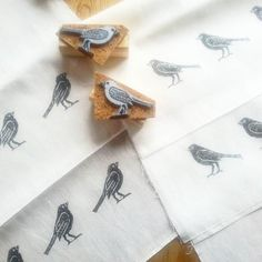 Day 21. Today finally tried blackbird stamps, I had made some weeks ago. This is a new tea towels set for Etsy shop. Well, I'm satisfied with these birdies ☺ #fmsphotoaday #fms_thisisnew #handprint #handprintedlinen #stamp #birdprint