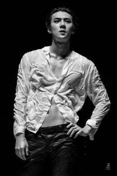 Oh Sehun sexy abs Kpop Exo, Suho Exo, Exo Kai, Uni, Sehun Hot, Exo Korea, Mens Crop Top, Exo Lockscreen, Abs Workout Routines