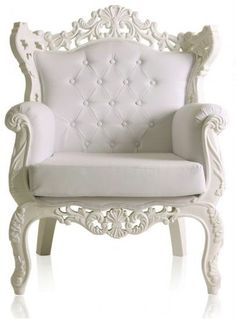 Can't help it, I just love this royal ornate armchair from Mondani