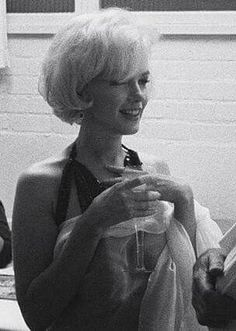 Marilyn Monroe just oozed femininity and beauty. R.I.P. sweet Marilyn. #icon #beauty #hollywood