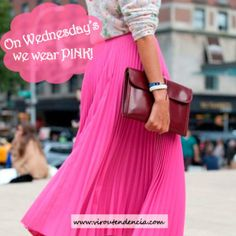 Looks com peças cor de rosa  http://viroutendencia.com/2014/05/07/on-wednesdays-we-wear-pink/
