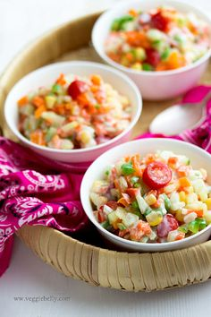 Vegetable Raita by veggiebelly: Cool and refreshing. No cooking needed!  #Raita #Veggie #veggiebelly