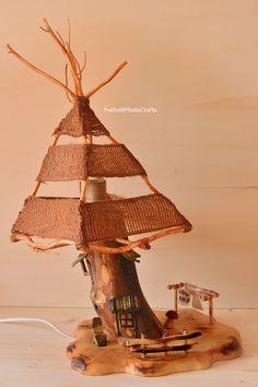 Lampada in legno a forma di casa degli gnomi/ Gnomes house wooden lamp. #etsy #woodenlamp #wood #legno #casa #home #arredo #homedecor #etsyshop #arredamento #furniture #madeinitaly #woodworking #fattoamano #handmade