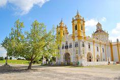 Nossa Senhora de Aires (VIANA DO ALENTEJO) Portugal, Portuguese, Barcelona Cathedral, Places To Visit, Mansions, Architecture, House Styles, Building, Travel