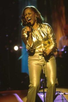 Darlene Love, the REAL voice that sang all those great hits!