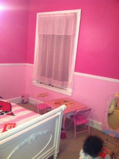 More angles of the Minnie Mouse inspired room