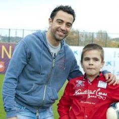 El exjugador del Barcelona ha destinado 30.000 euros a la campaña de la Obra Social ?la Caixa? para combatir la enfermedad minoritaria de Sanfilippo