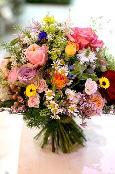 Lúčna farebná svadobná kytica