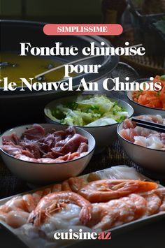 La fondue chinoise pour le Nouvel An Chinois est un plat familial convivial. #recette#cuisine#fondue#nouvelan #chinois #asie Mets, Chicken, Food, Sprouts, Hot Pot, Spices And Herbs, Chinese Cabbage, Asian Recipes, Chinese New Year
