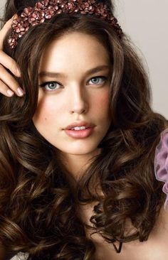 Emily DiDonato is an American model.Her great-grandparents immigrated to the U.S. from Italy.