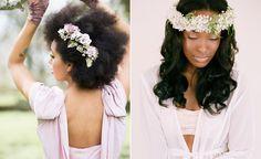 Noiva negra: arrase com penteados naturais Já sabe como ostentar sua cabelereira e esbanjar charme como uma noiva negra cheia de personalidade? Então inspire-se com estes penteados incríveis!