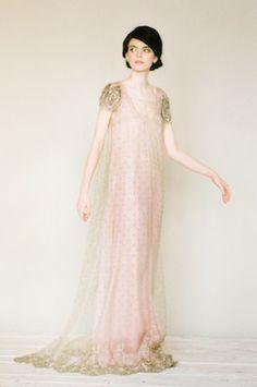 Ethereal bridal portrait session | Katerina Lobova Photography | see more on: http://burnettsboards.com/2014/05/ethereal-bridal-portraits/