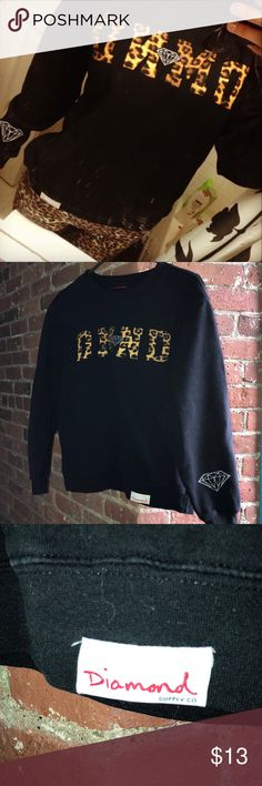 -OFFER ⬇️-Diamond Supply Co. Cheetah Logo Sweater 💕with any purchase from my closet you'll get both pairs of pajama pants listed in my closet for free!😊💕   This sweater is gently loved condition. No rips or stains. I never dried it after washing so the lettering and diamond designs are still in very good condition ! Size small doesn't fit me anymore 😭😭 Diamond Supply Co. Sweaters Crew & Scoop Necks