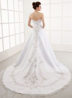 A-Line/Princess Sweetheart Chapel Train Organza Satin Wedding Dress With Embroidery Beading (002000387)