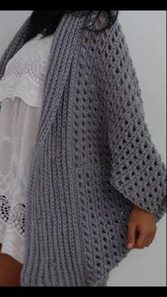 Chunky Crochet, Free Crochet, Knit Crochet, Fingerless Gloves Crochet Pattern, Crochet Poncho Patterns, Knitted Poncho, Easy Crochet Stitches, Crochet Basics, Ladies Cardigan Knitting Patterns