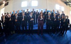 Cristina Kirchner @CFKArgentina Acá están nuestros muchachos youtube.com/watch?v=O1JUKU… pic.twitter.com/nwZauVqYQB