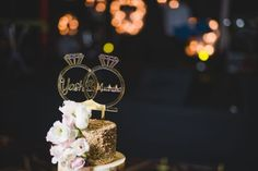 For the millennial couple, check out this list ultimate list of unique and funny wedding cake designs and ideas for every kind of couple. Funny Wedding Cakes, Wedding Cake Rustic, Unique Wedding Cakes, Unique Cakes, Beautiful Wedding Cakes, Wedding Cake Designs, Wedding Humor, Engagement Cake Design, Engagement Cakes