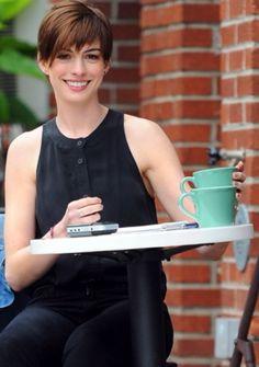 Anne Hathaway in Brooklyn, New York