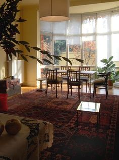 Apartment in Budapest, Hungary. We invite you in a very calm place, still close to the center, in the heart of Buda. Familiar athosphere, spacious rooms with view of the garden. Ideal for families, or for group of friends as well. Free parking place, sauna for the perfect relax....