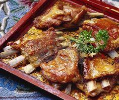 Tabak Maaz is a Kashmiri dish I first had at Delhi Haat's Kashmiri stall, Wazwaan. It is a simple dish made of lamb ribs cooked in milk and. Braai Recipes, Lamb Recipes, Meat Recipes, Seafood Recipes, Appetizer Recipes, Cooking Recipes, Yummy Recipes, Appetizers, Food Recipes In Hindi
