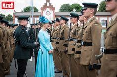 Très élégante en turquoise, la comtesse Sophie de Wessex a inspecté une dernière fois en Allemagne le 5e Bataillon The Rifles dont elle est colonel…
