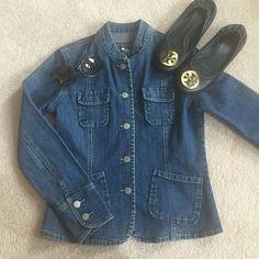 Banana Republic Denim Jacket Great Condition! Only worn twice max Banana Republic Jackets & Coats Jean Jackets