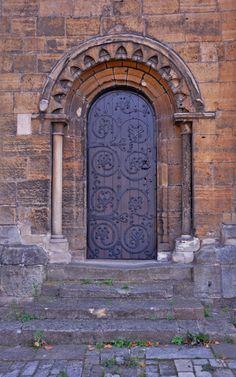 https://flic.kr/p/bqbp2T | 4934 | Worksop Priory, Worksop, Nottinghamshire.