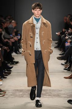 See all the Collection photos from Todd Snyder Autumn/Winter 2017 Menswear now on British Vogue Fashion Show Collection, Designer Collection, Winter 2017, Fall Winter, Autumn, Todd Snyder, Suit Shirts, Boys Wear, Mens Fall