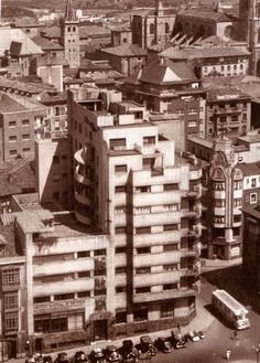 INSTITUTO NACIONAL DE PREVISION Plaza del Carbayon Joaquin Vaquero Palacios 1934-1940