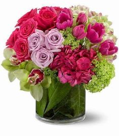 Send Spring Flowers in Boston, MA from Exotic Flowers for flower delivery in the Boston area. Exotic Flowers in Boston offers a wide selection of Spring Flowers. Big Flowers, Exotic Flowers, Fresh Flowers, Beautiful Flowers, Wedding Flowers, Seasonal Flowers, Tulpen Arrangements, Floral Arrangements, Flower Arrangement