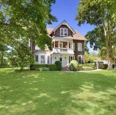 Tour Jimmy Fallon's Farmhouse in The Hamptons
