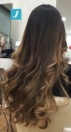 30 caramel highlights on light to dark brown hair - chic, better # dark brown hair , Bronde Hair, Brown Hair Balayage, Brown Ombre Hair, Brown Blonde Hair, Balayage Brunette, Light Brown Hair, Light Hair, Brown Hair Colors, Brunette Hair