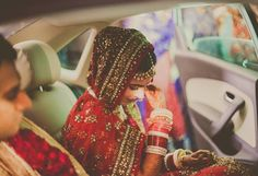 10 Beautiful And Touching Moments Every Indian Wedding Album Must Have - bollywoodshaadis.com