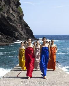 #Hanbok designer Lee Young Hee knows how to reinvent the traditional Korean Hanbok!