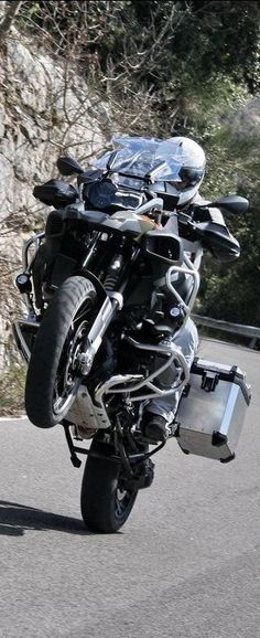 BMW R 1200 GS Adventure allroad motor wheelie