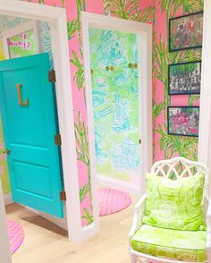 after seeing the pretty @lillypulitzer new arrivals, I think I need to visit the store asap! (at Lilly Pulitzer Oakbrook)