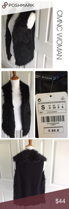 NWT CMNC faux fur black mixed material vest S ♦️New with tag                                                 ♦️Materials- no label on it but the faux fur is likely a poly blend and the back appears to be a cotton/acrylic fabric.                ♦️Measurements:                                  ♦️Laying flat armpit to armpit: approximately 17 inches.                                                ♦️Laying flat from the back of the neck to the bottom of the front hem is approximately 25 inches…