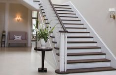 Quelle couleur pour repeindre un escalier for Peindre escalier blanc