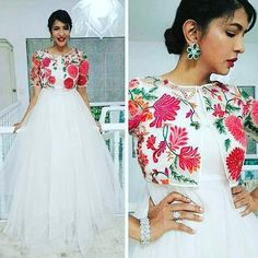White Dress with Flowery jacket Indian Gowns Dresses, Indian Fashion Dresses, Indian Designer Outfits, Pakistani Dresses, Indian Outfits, Designer Dresses, Long Gown Dress, Saree Dress, Anarkali Dress Pattern