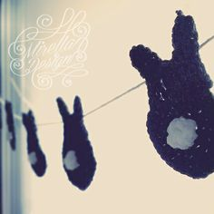 easter garland #crochet #bunny #rabbit #diy #handmade #decoration #garland #easter #yarn #hang #window #ostern #hase #häschen #girlande #deco