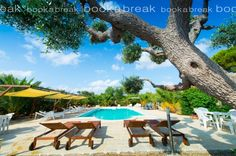 http://www.book-a-break.com/en/accommodations/390,masseria-cesarina-b-b,double-or-twin-room/