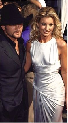 Tim and Faith Country Female Singers, Country Music Artists, Country Music Stars, Mississippi, Tim And Faith, Tim Mcgraw Faith Hill, Blond, Chris Young, Famous Couples