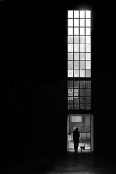 Street Photographer Captures the Solitude of Urban Life Through Light and Shadow Black White Photos, Black N White, Black And White Photography, Urban Photography, Street Photography, Contrast Photography, Industrial Photography, Photography Women, Vintage Photography