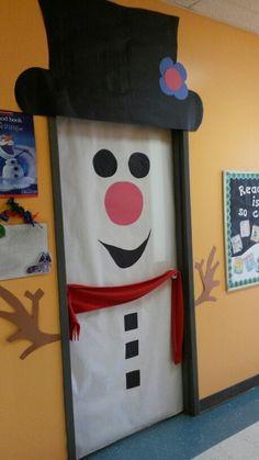 Winter Snowman Door - New Deko Sites Christmas Door Decorating Contest, School Door Decorations, Office Christmas Decorations, Christmas Classroom Door, Christmas Fun, Winter Holiday, Holiday Ideas, Xmas, Snowman Door