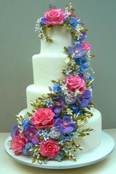 Colette's floral garland cake