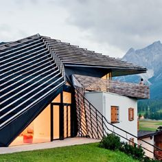 Pin for Later: 20 Contemporary Homes That Look Like They're From the Future Sesto, Italy