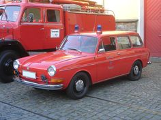VW Type used by german fire department. Vw Variant, Volkswagen Type 3, Hot Vw, Bus Life, Vw Cars, Fire Engine, Fire Department, Ambulance, Fire Trucks