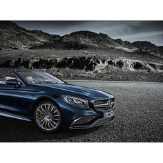 The Mercedes-AMG S 65 Cabriolet is made for intense moments – to be experienced with all the senses. [Fuel consumption combined: 10.4 l/100 km | CO2 emission combined: 244 g/km]